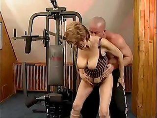 Granny the in gym  goo.gl/TzdUzu