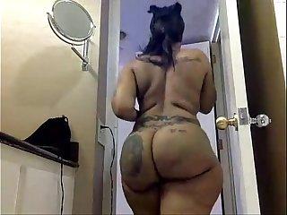 Blackwoman ebony Cherokee d ass  bathroom - damn fucking sexy