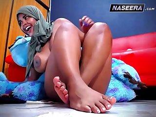 Arab Babe ORGASM Webcam  NASEERA.com
