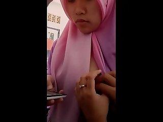 Indonesian Hijab Tits Flash and Grope - www.mamihmens.ml