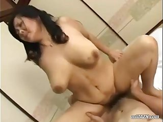 Fat Mature Woman Getting Her Pussy Fucked By Young Guy Cum To Boobs On The Mattr
